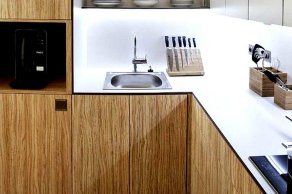 Ristrutturare un bagno lungo e stretto la soluzione della doccia passante easyrelooking - Cucina in legno moderna ...