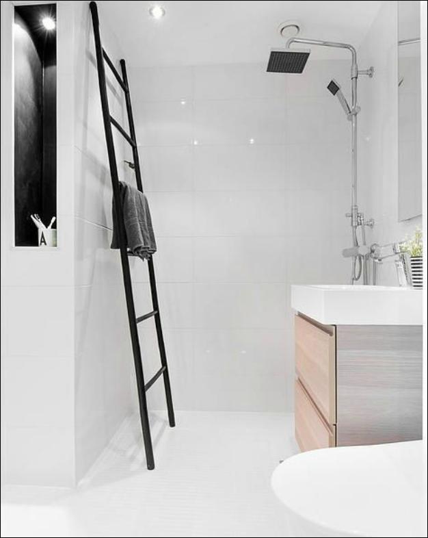 Scale a pioli moderne porta asciugamani per il bagno