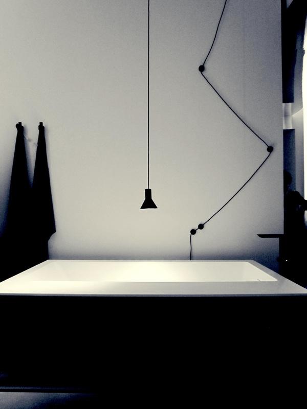 Arredo bagno ispirazioni dal fuorisalone2015 - Vasca da bagno nera ...