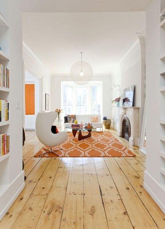 interni in bianco e arancione