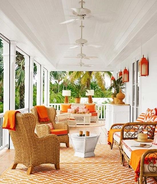 Interni in arancione e bianco