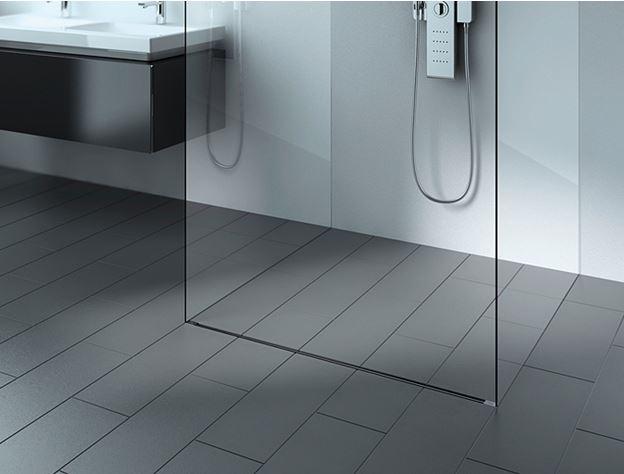 Ristrutturare un bagno lungo e stretto: la soluzione della doccia ...