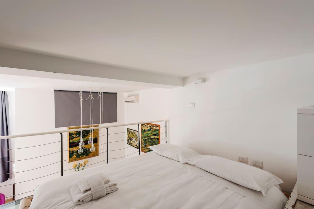 easyrelooking airbnb refined loft in porta romana bedroom