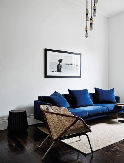 Tendenze arredamento blog arredamento - Divano velluto blu ...
