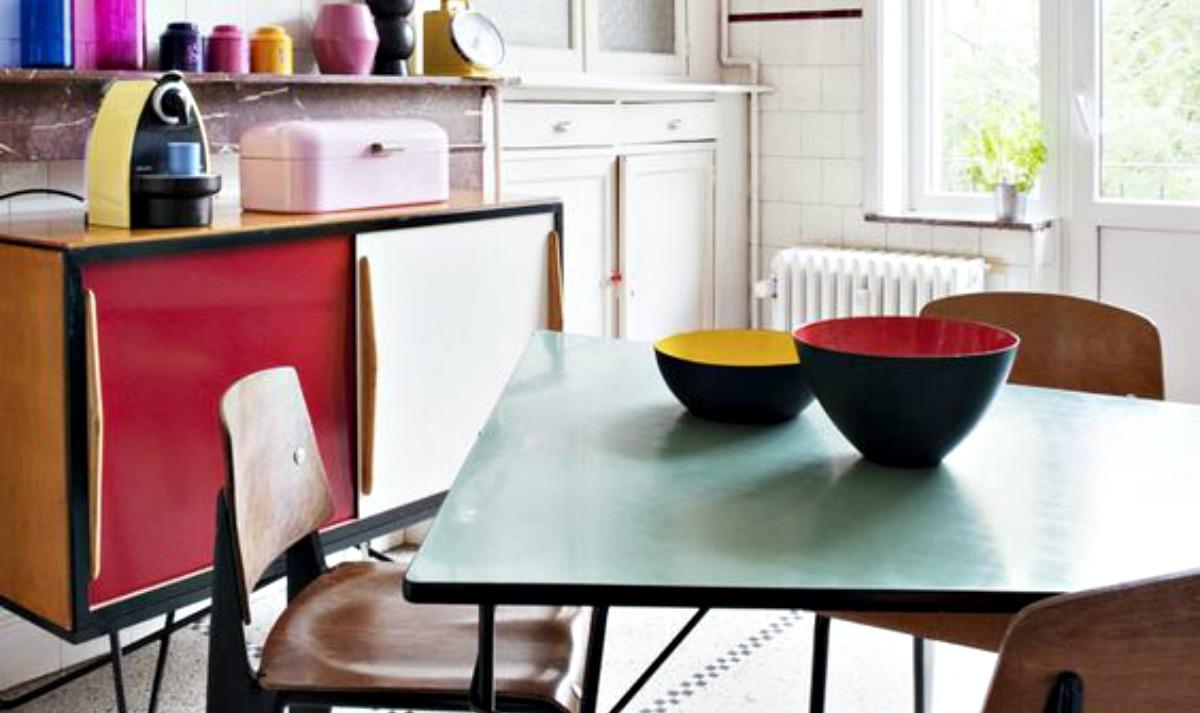 Arredamento Anni 50 60 : Arredamento anni il design della plastica e dei colori forti