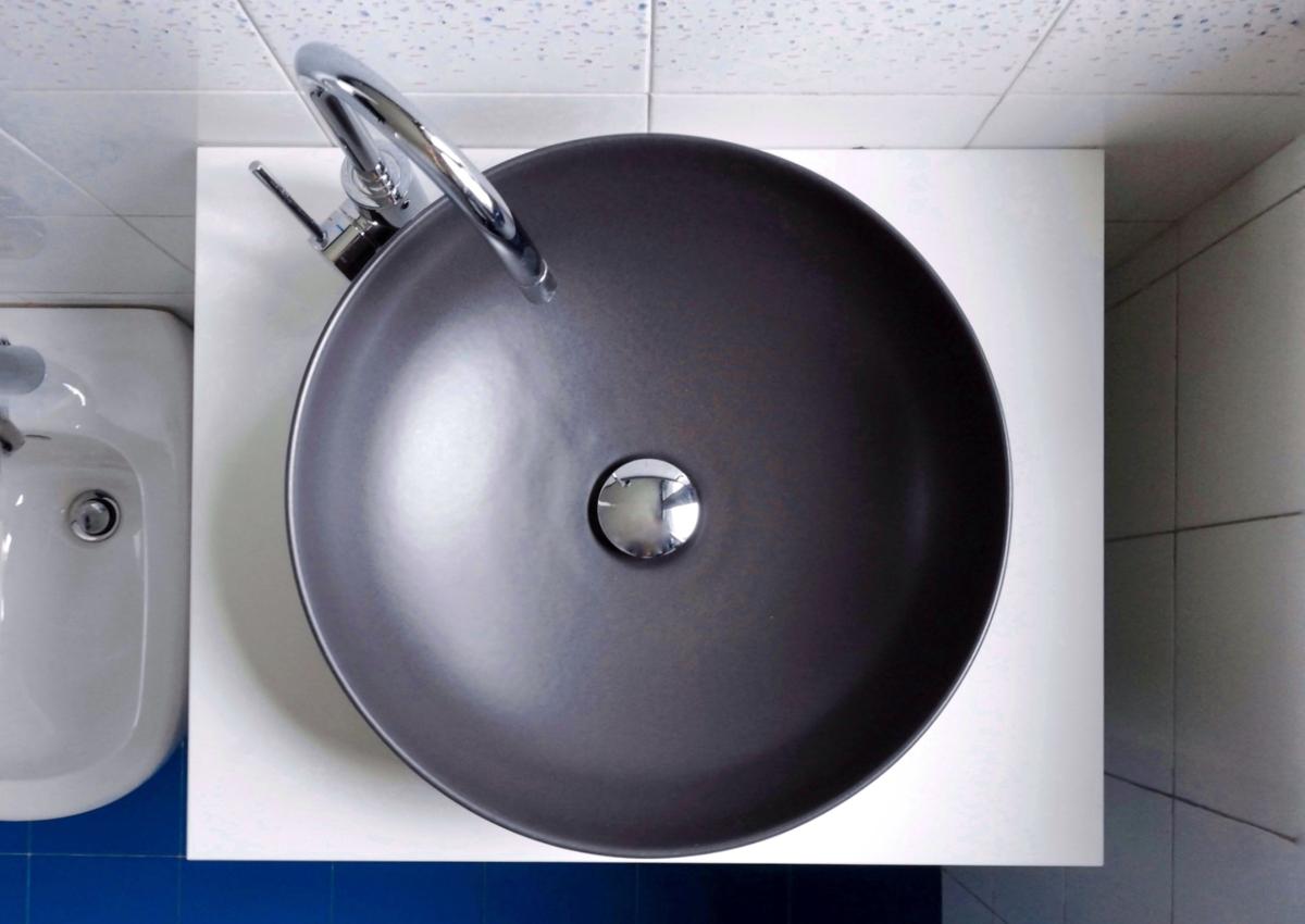 Il nostro bagno con accessori neri easyrelooking - Bagno neri viserbella ...