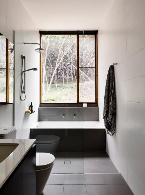 Bagno con doccia e vasca il progetto easyrelooking - Vasca bagno con doccia ...