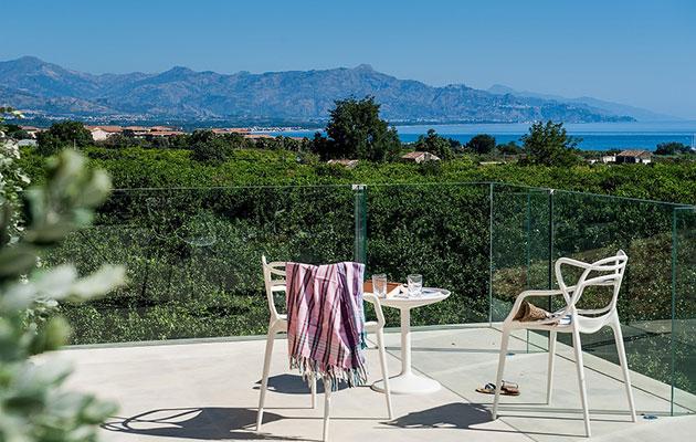 Design hotel hotel zash in sicily easyrelooking for Design hotel sicilia