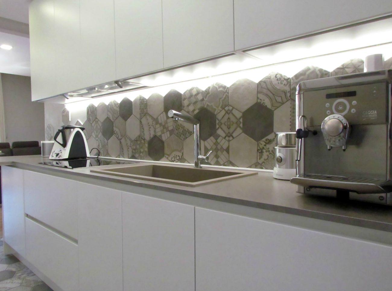 Il nuovo nido easyrelooking - Piastrelle esagonali cucina ...