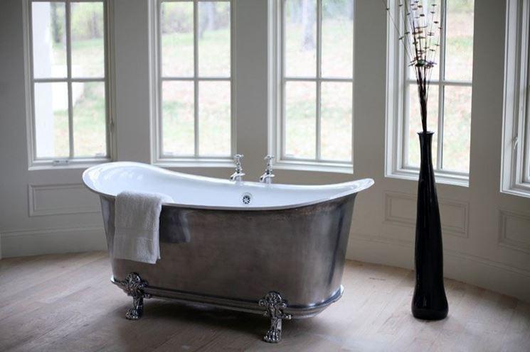 10 consigli per un bagno da sogno easyrelooking - Vasca da bagno con i piedi ...