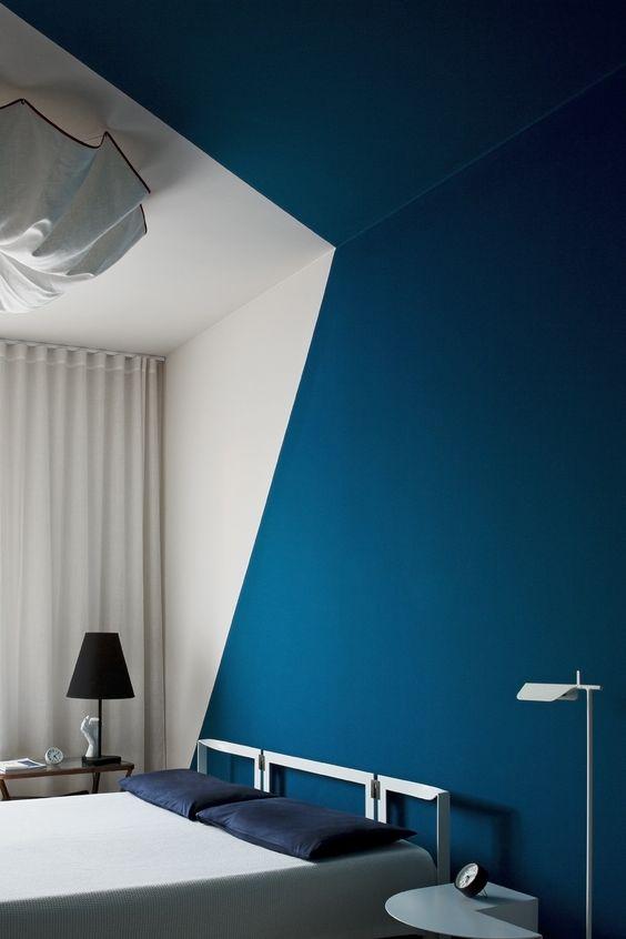 Pareti azzurre e un tocco di verde in stile seychelles for Idee pittura casa