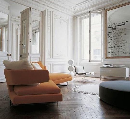 Interni moderni in bianco e arancione