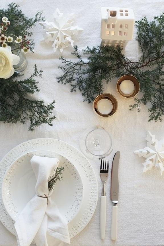 Tavola di Natale in bianco